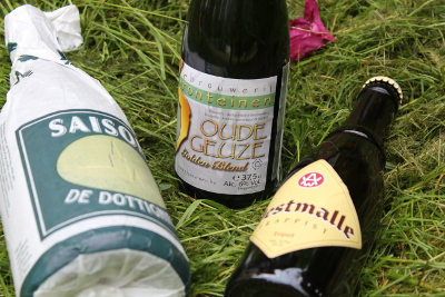 Belgiska öl i gröngräset