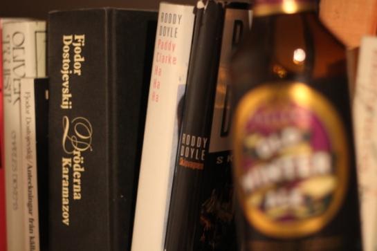 Fuller's Old Winter Ale ihop med böcker