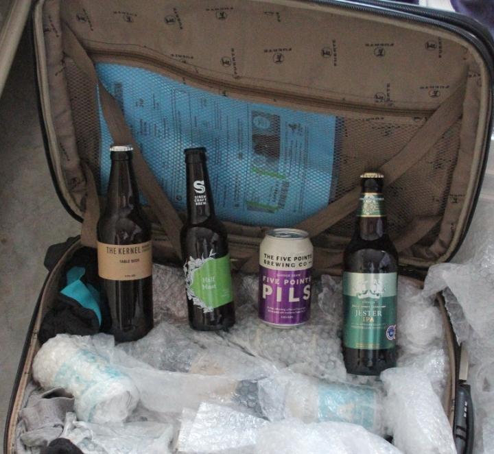 Packar upp väskan från Londonresan, Karlströms Malt 02