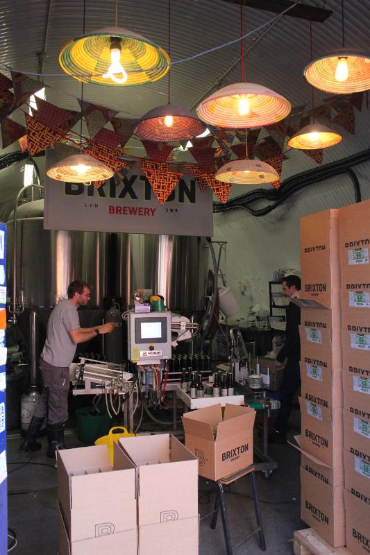 Vimplar i taket, Brixton Brewery, London, Karlströms Malt