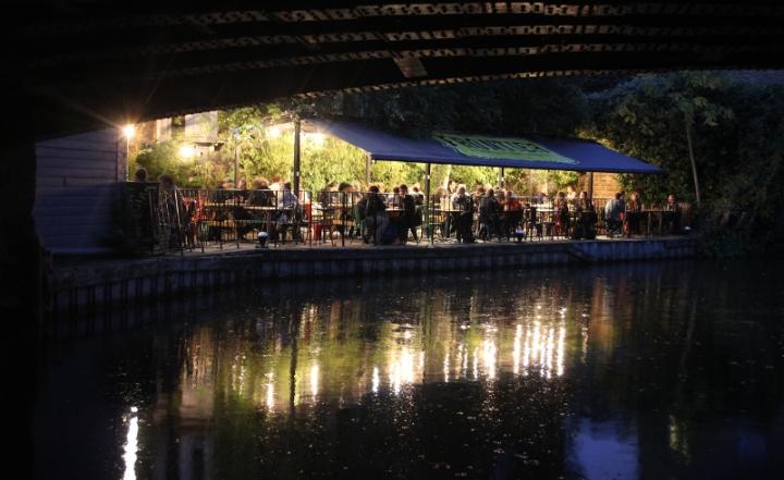 Union Tavern, under bron, vid vattnet, Resa, London, Karlströms Malt