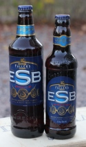 Fuller's ESB, två olika flaskor, Karlströms Malt